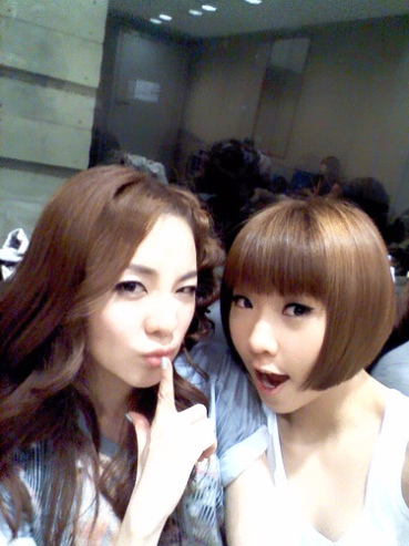 Minji: Me and Dara unnie ~~^^ Who's the youngest~~?
