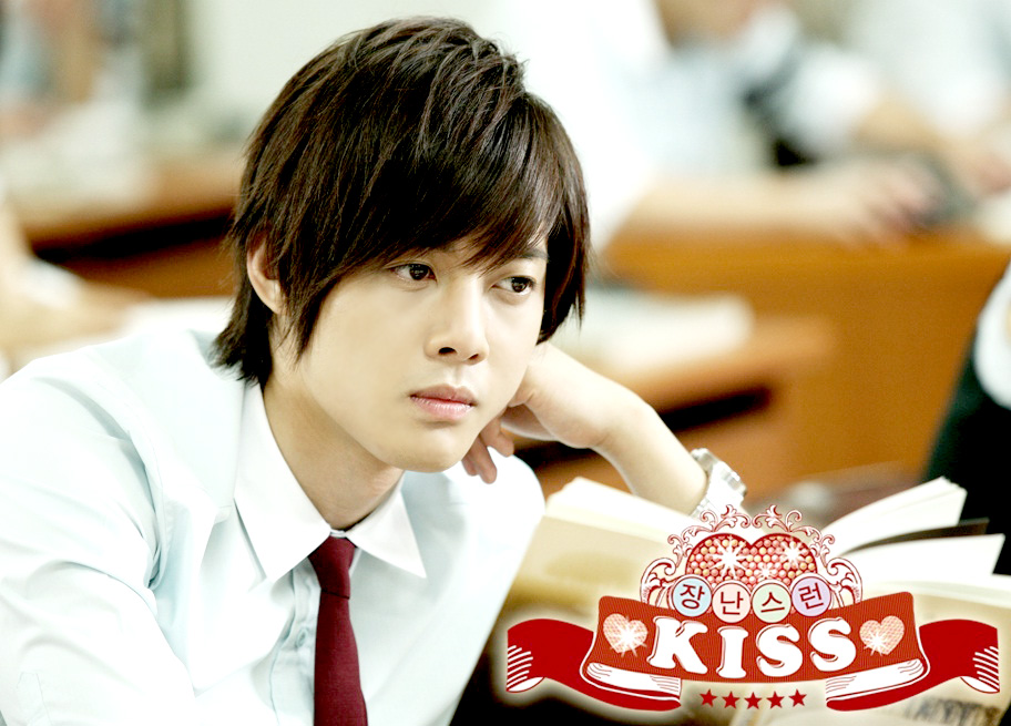 More deets on Kim Hyun Joong playing Baek Seung Jo after the cut.