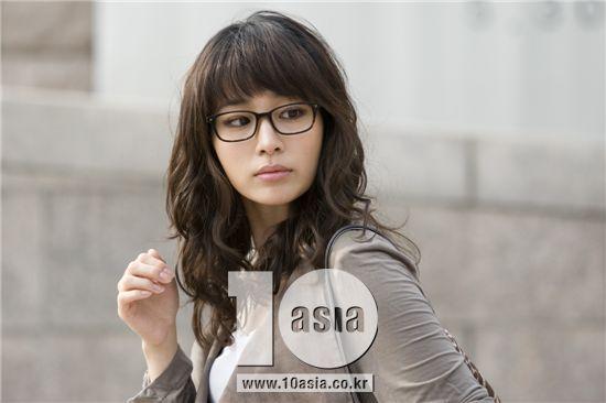 Dating agency cyrano asia team